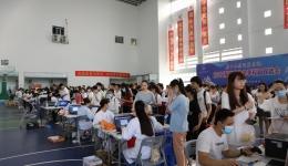 16000人次!市人民医院圆满完成广西民族师范学院新冠疫苗接种支援任务
