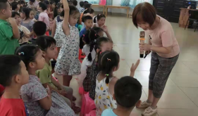"""【我为群众办实事】崇左市人民医院为孩子送去六一儿童节 """"健康""""大礼包"""